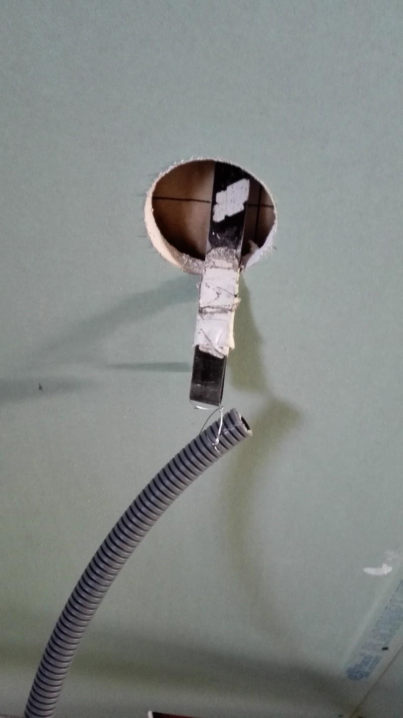 cache cable electrique